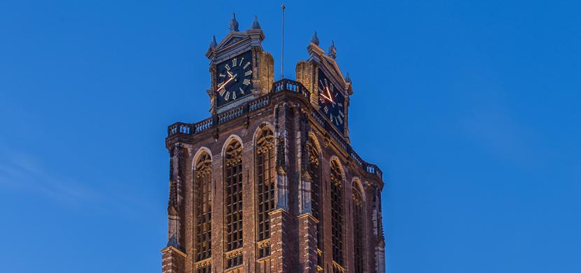 De kerktoren van de Grote Kerk Dordrecht 830